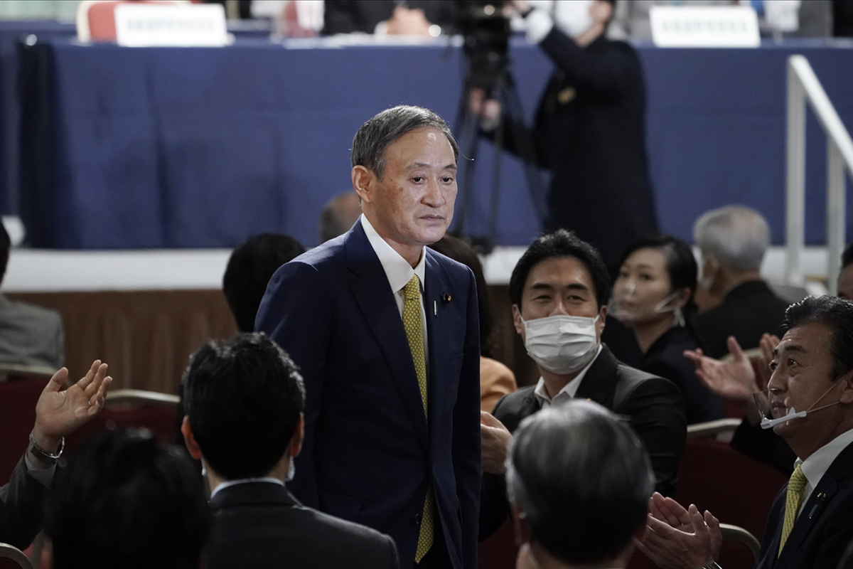 Suga y el reto de gestionar el legado de Abe