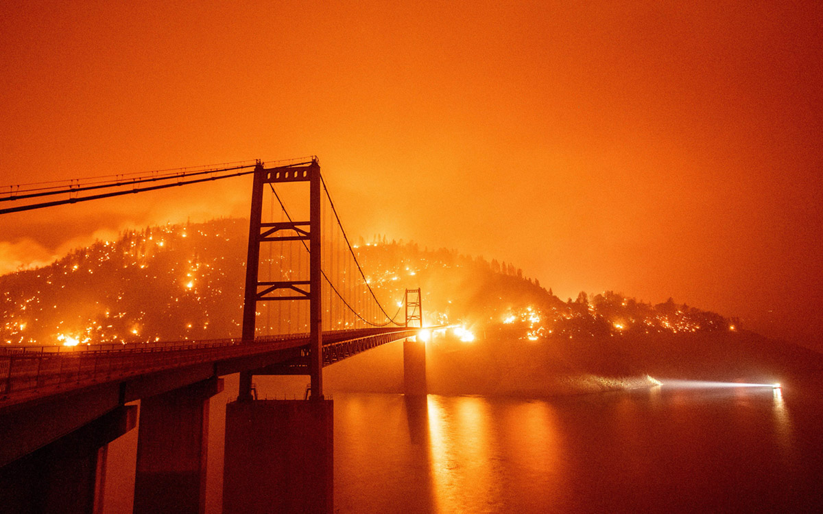 Las tormentas de fuego meten de lleno al cambio climático en la campaña