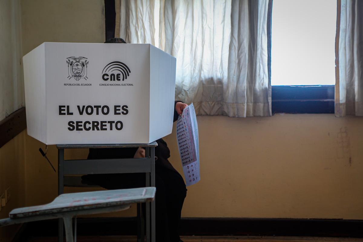Elecciones en Ecuador: tercera vía más allá de las dicotomías