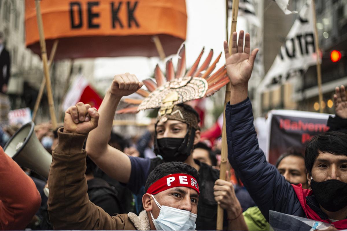 En un clima de encono, Perú va a la segunda vuelta