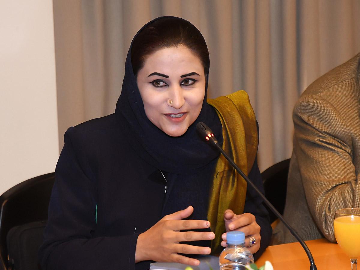 """""""Es necesario un Estado fuerte para garantizar los derechos de la mujer en Afganistán"""""""