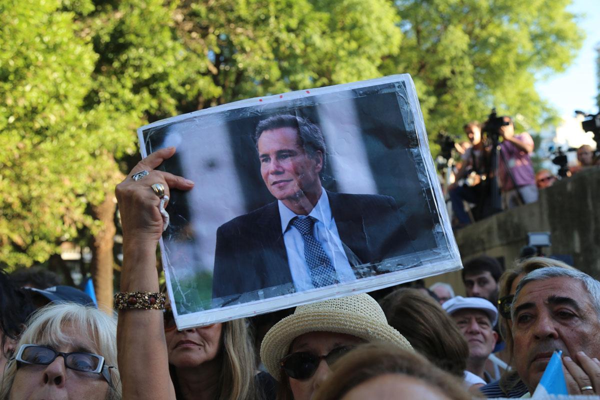'El fiscal, la presidenta y el espía'. Sobre el caso Nisman