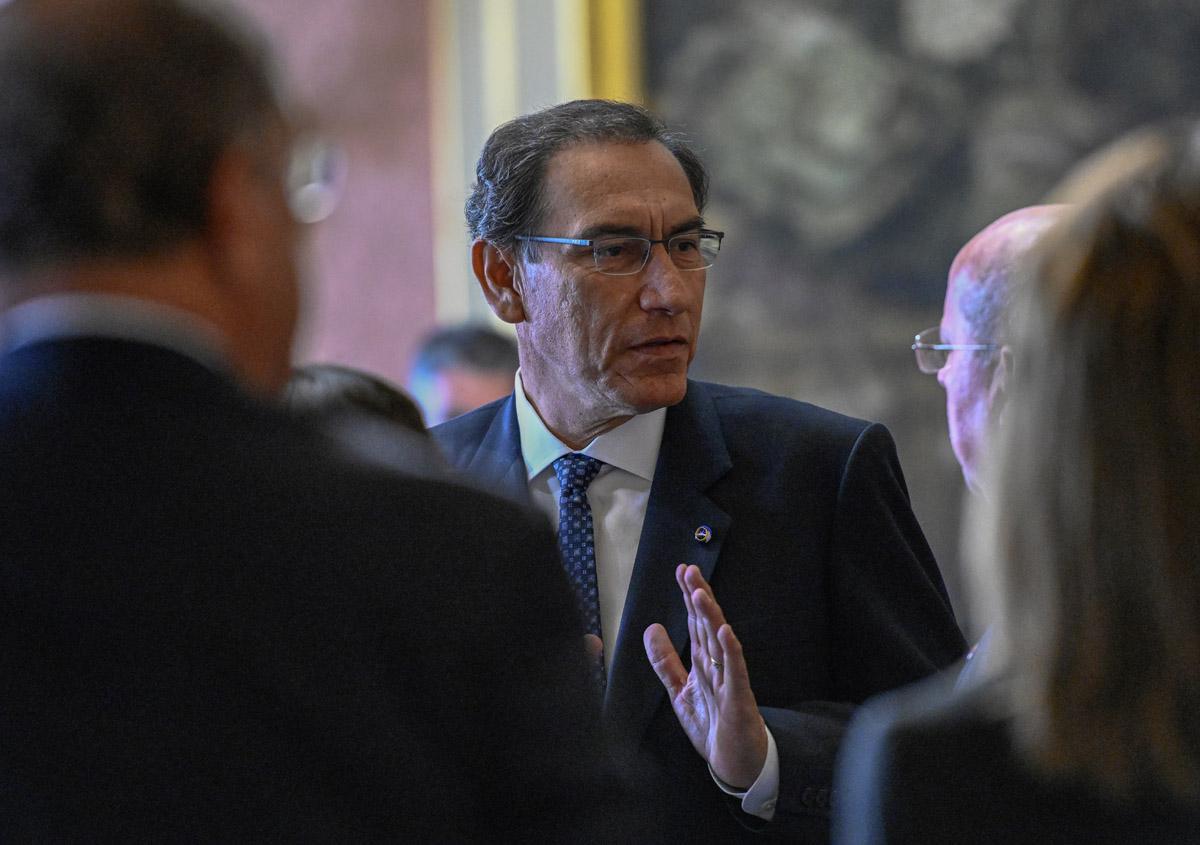 Forcejeos y vaivenes políticos en Perú