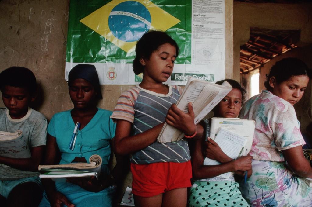 Educaci n el mejor plan contra la pobreza pol tica exterior for Educacion exterior