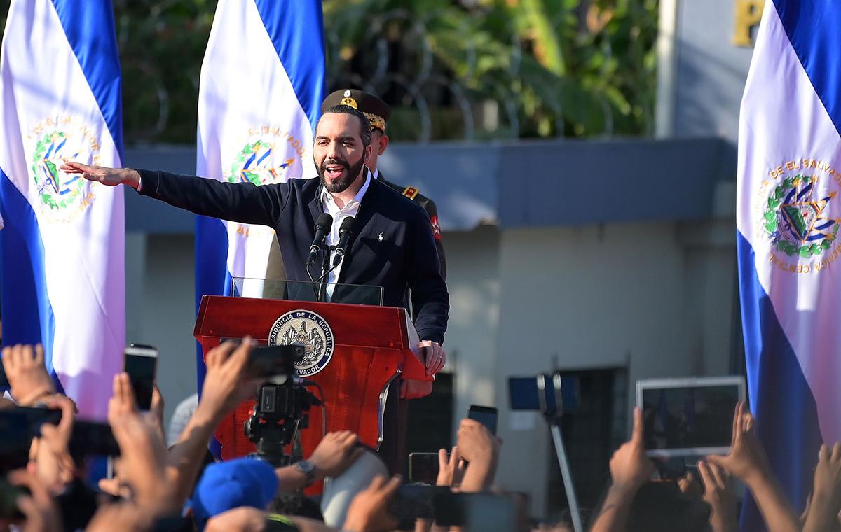 El Salvador ante el precipicio
