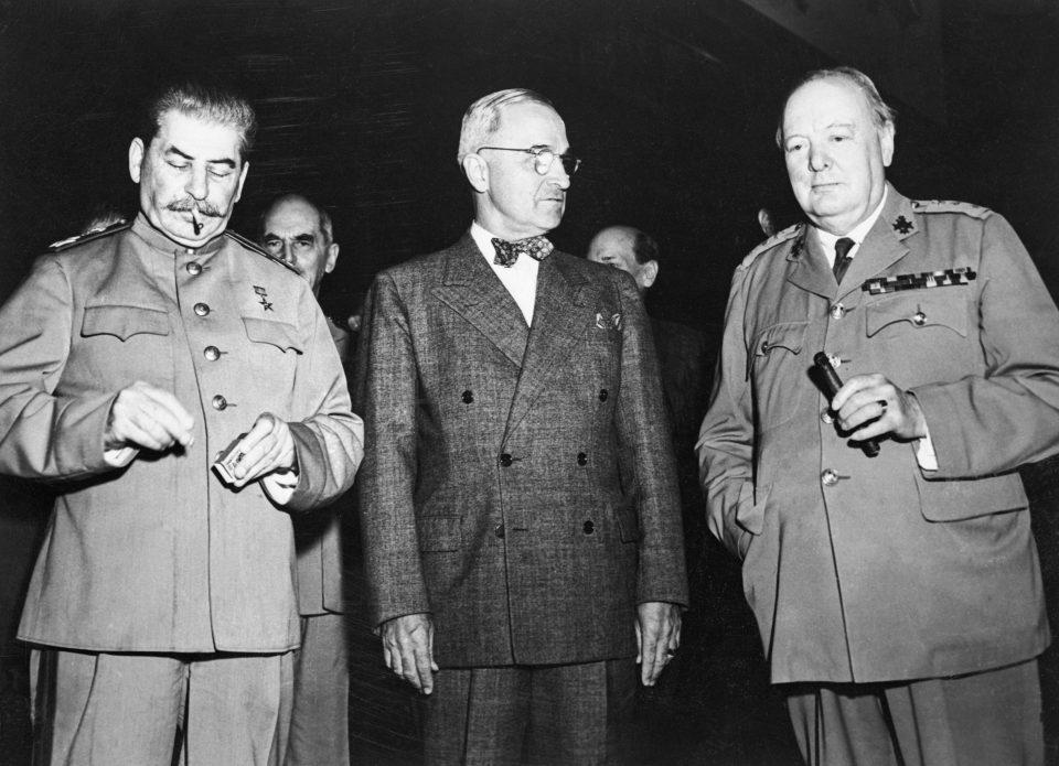 Resultado de imagen para Fotos de la conferencia de París, entre la Unión Soviética (Molotov), Gran Bretaña y Francia