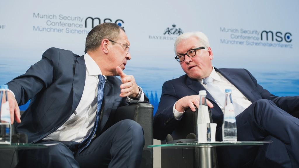 Serguéi Lavrov y Frank-Walter Steinmeier