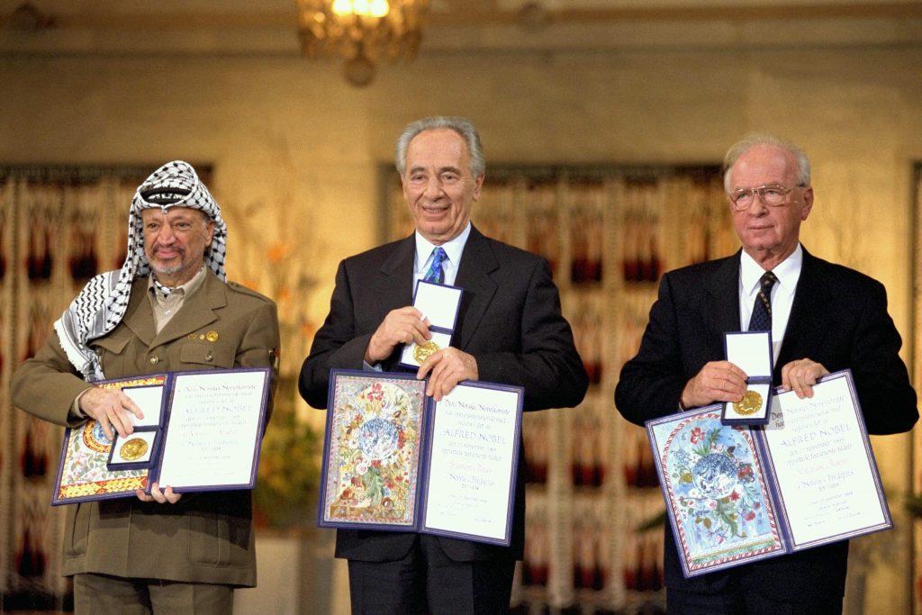 Premio Nobel de la Paz de 1994.