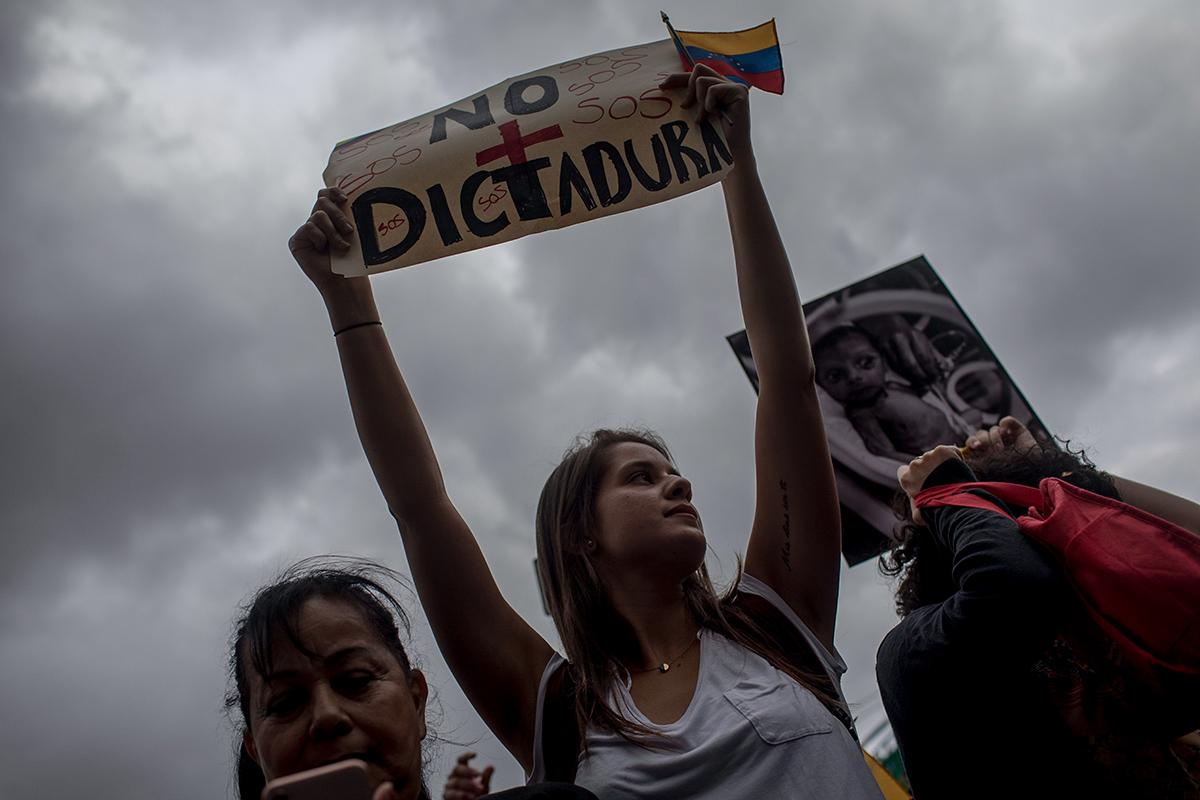 Venezuela hacia el #10Enero en tres memos imaginarios